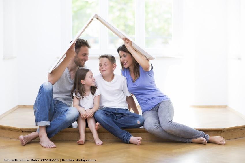 Familie glücklich zu Hause