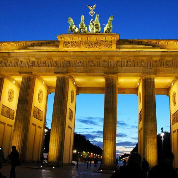 Brandenburger Tor in Berlin- Beliebtestes Reiseziel der Deutschen
